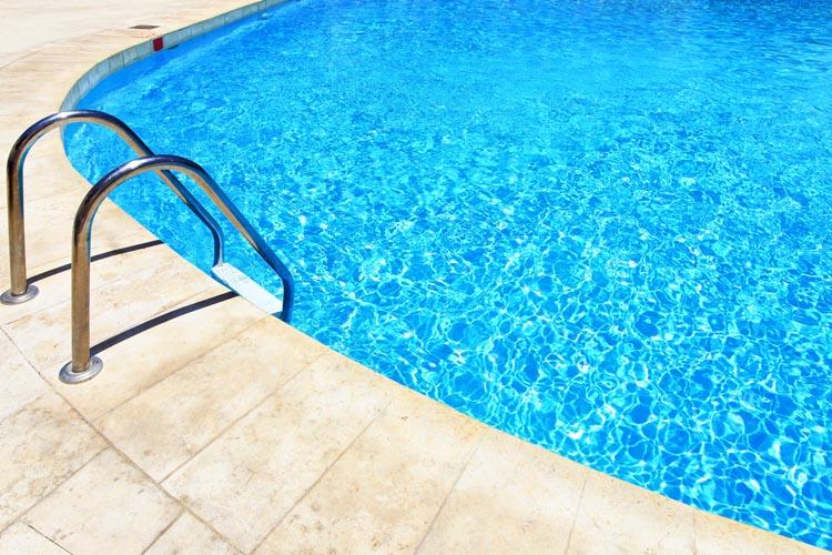 mantener tu piscina en invierno